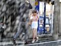 すみません、突然の雨で濡れてしまいまして... しかも、今日に限ってノーブラなんです...。 奥田咲