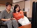 大人気連載TVドラマを義母さんと見ていたら、濃厚キスシーンが始まって...。 牧村彩香