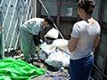 月・水・金のゴミの日の朝、夫に内緒で時短中出しされる人妻 友田真希1