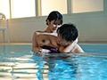 水泳教室NTR インストラクターの優しさに溺れた妻の衝撃的中出し映像 神宮寺ナオ