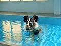 水泳教室NTR インストラクターの優しさに溺れた妻の衝撃的浮気映像 木下ひまり