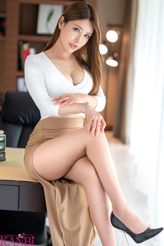 「私、絶対に脱ぎたくありません...!だけど激しく犯されたい...」上司を手淫で手懐ける焦らし上手な美人妻 弁護士秘書の人妻 神楽美来 30歳 AVデビュー!!