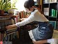 某お嬢様大学英文科 眼鏡美少女な古書店員 逢月はるな AVデビュー AV女優新世代を発掘します!