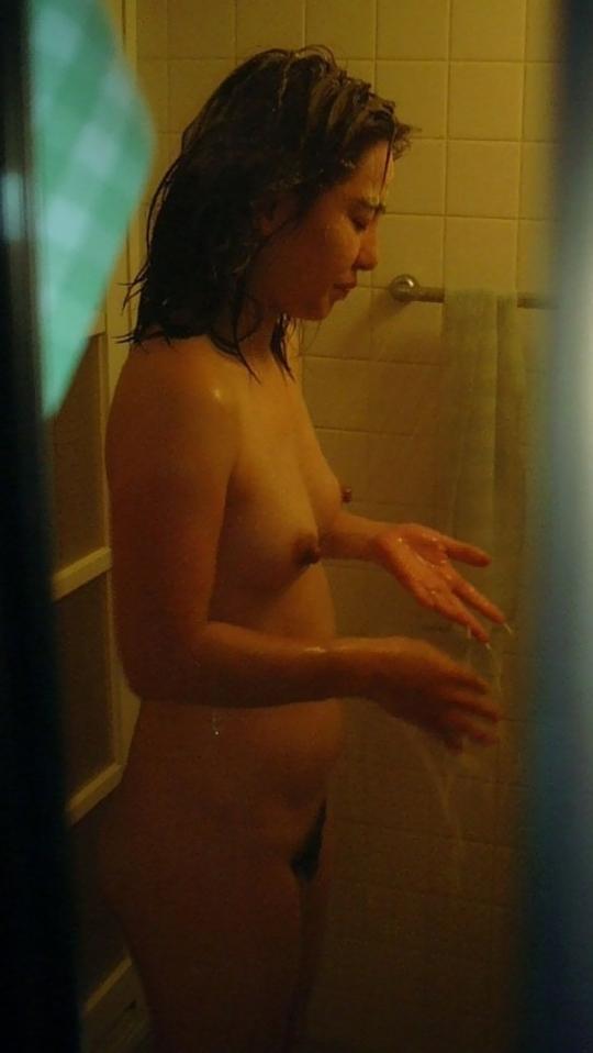 一線を越えてしまった…民家盗撮のエ●チ画像の素人の裸体に欲情www
