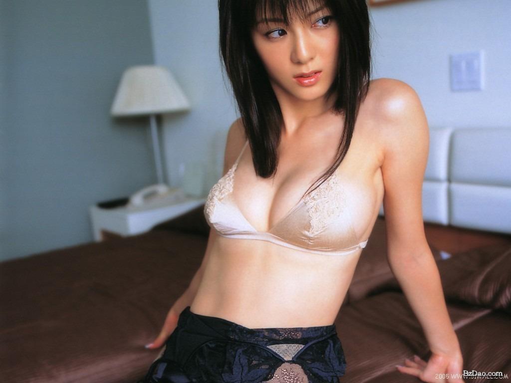 韓国コスプレイヤー頂点のmiyukoの美脚エッチ画像が問答無用で抜けるwww